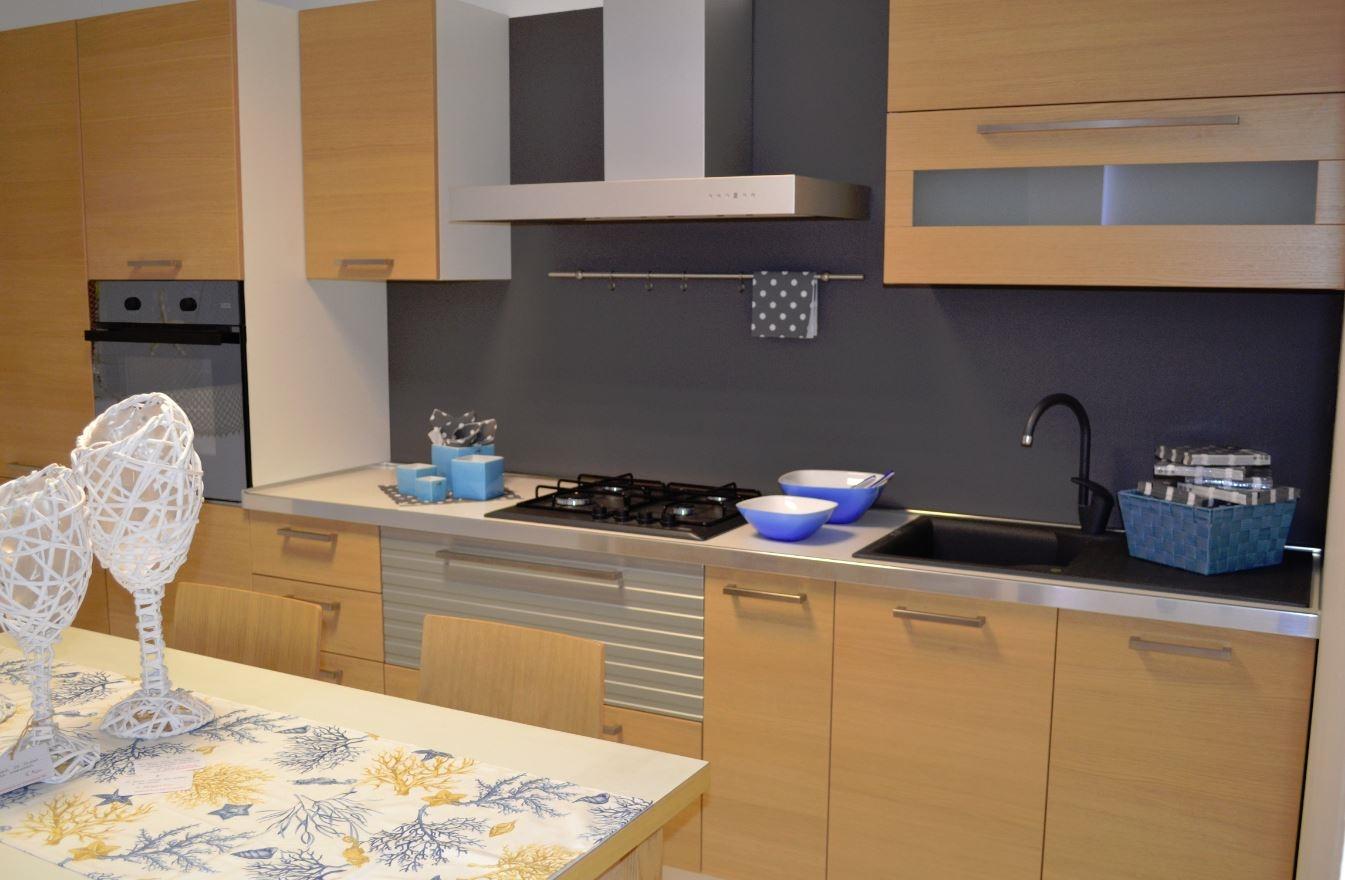 Cucina impiallacciata in rovere sbiancato in offerta - Cucine in rovere ...