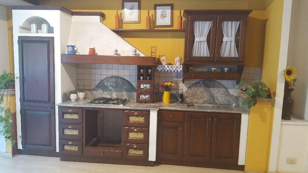 Cucina salaiolo country legno noce cucine a prezzi scontati - Cucina finta muratura ikea ...
