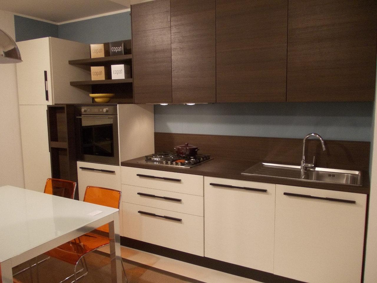 Cucina samoa di copat in laminato effetto legno completa - Cucina nera legno ...