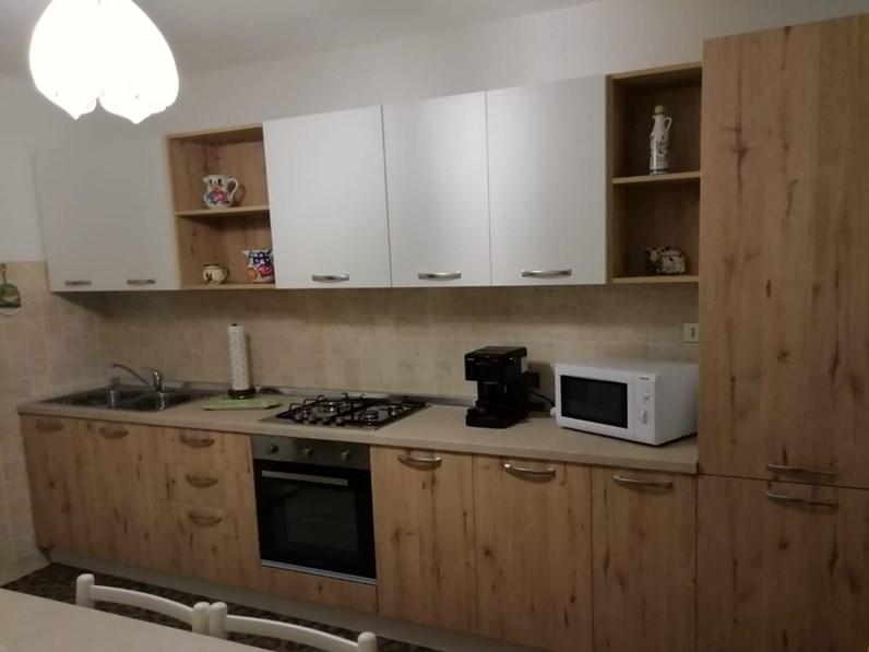 Cucina sara moderna bianca lineare artigianale - Cucina bianca moderna lineare ...