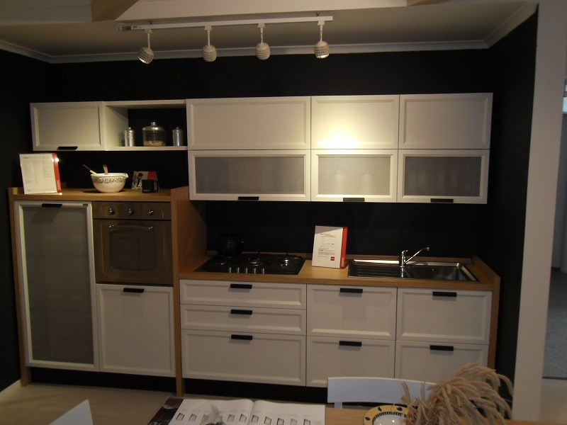 Faretti Cucina Scavolini: Faretti per cucine illuminare lampade led cucina comodi e.