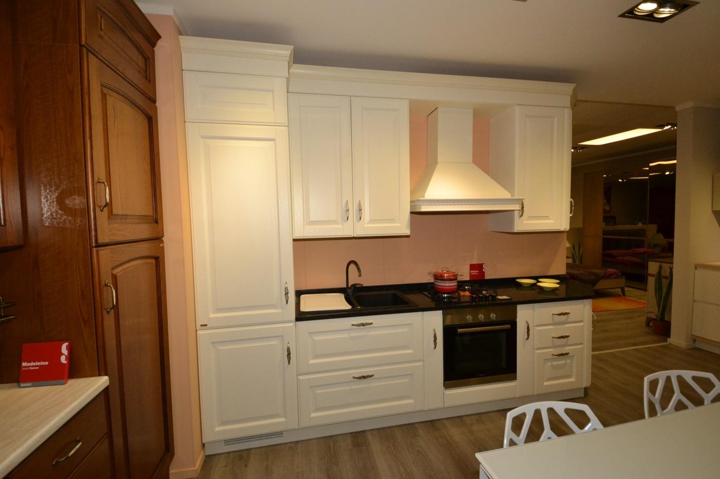 Cucina scavolini baltimora in rovere bianco cucine a for Cucina baltimora scavolini