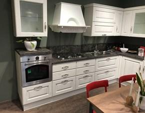 Cucina Scavolini classica ad angolo bianca in legno Madeleine