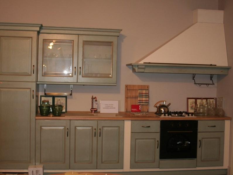 Cucina Scavolini classica lineare azzurra in legno Belvedere