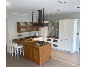 Cucina Scavolini country con penisola bianca in legno Favilla