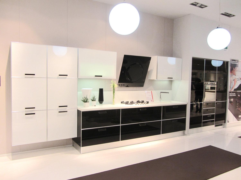 Cucina scavolini crystal 3676 cucine a prezzi scontati - Cappa cucina nera ...