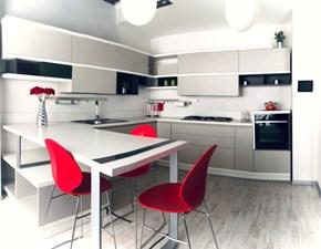 Cucina Scavolini design con penisola grigio in laccato opaco Foodshelf