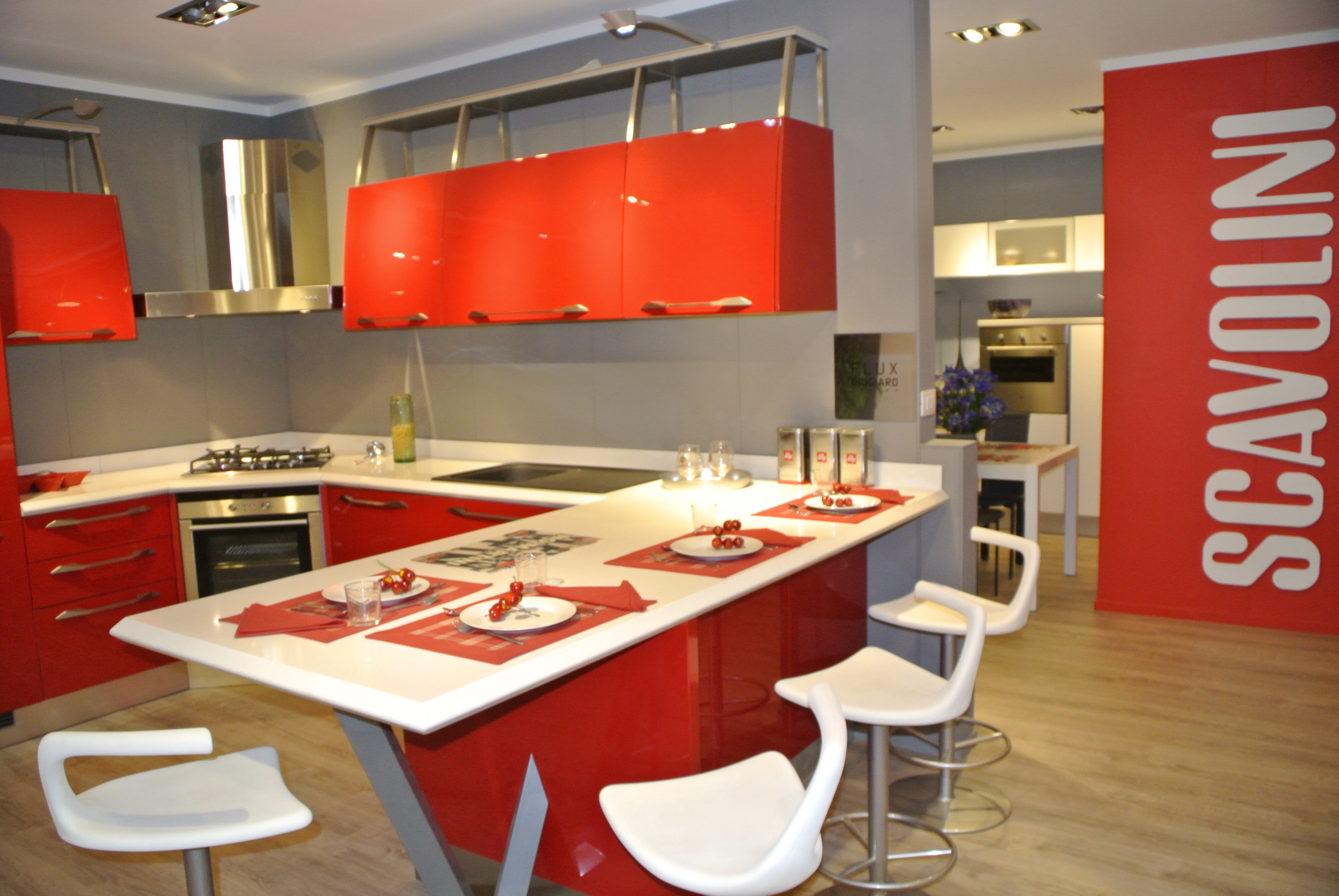 Cucine Rosse. Cucine Moderne Bianche E Rosse Canlic For Disegni ...