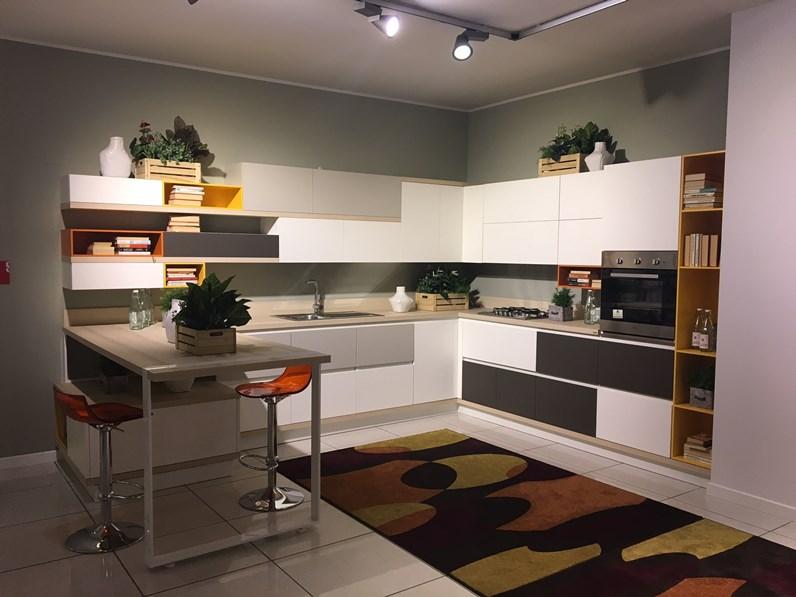 Cucina scavolini foodshelf scontata del 50 for Perego arredamenti cernusco