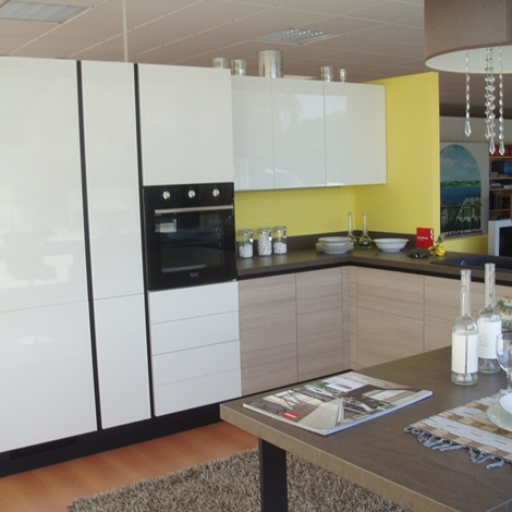Cucina Scavolini Liberamente Moderna Laccato Lucido bianca - Cucine a prezzi scontati