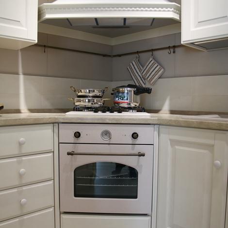 Cucina con penisola Scavolini modello Baltimora scontata del 48 ...