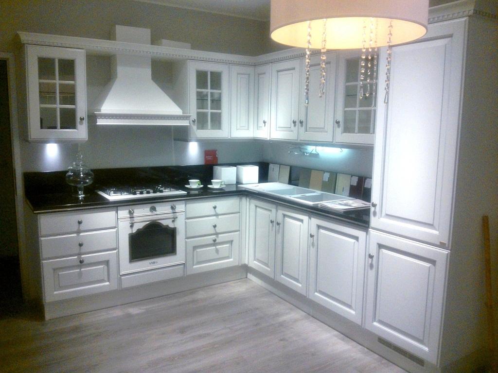 Cucina scavolini modello baltimora laccata nuova vero - Cucine componibili bianche ...