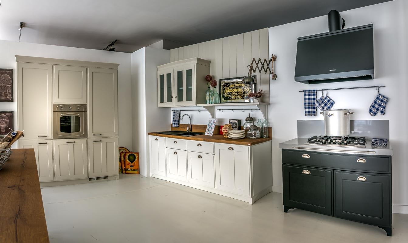Cucina scavolini modello favilla scontata del 30 cucine a prezzi scontati - Cucine scavolini country ...