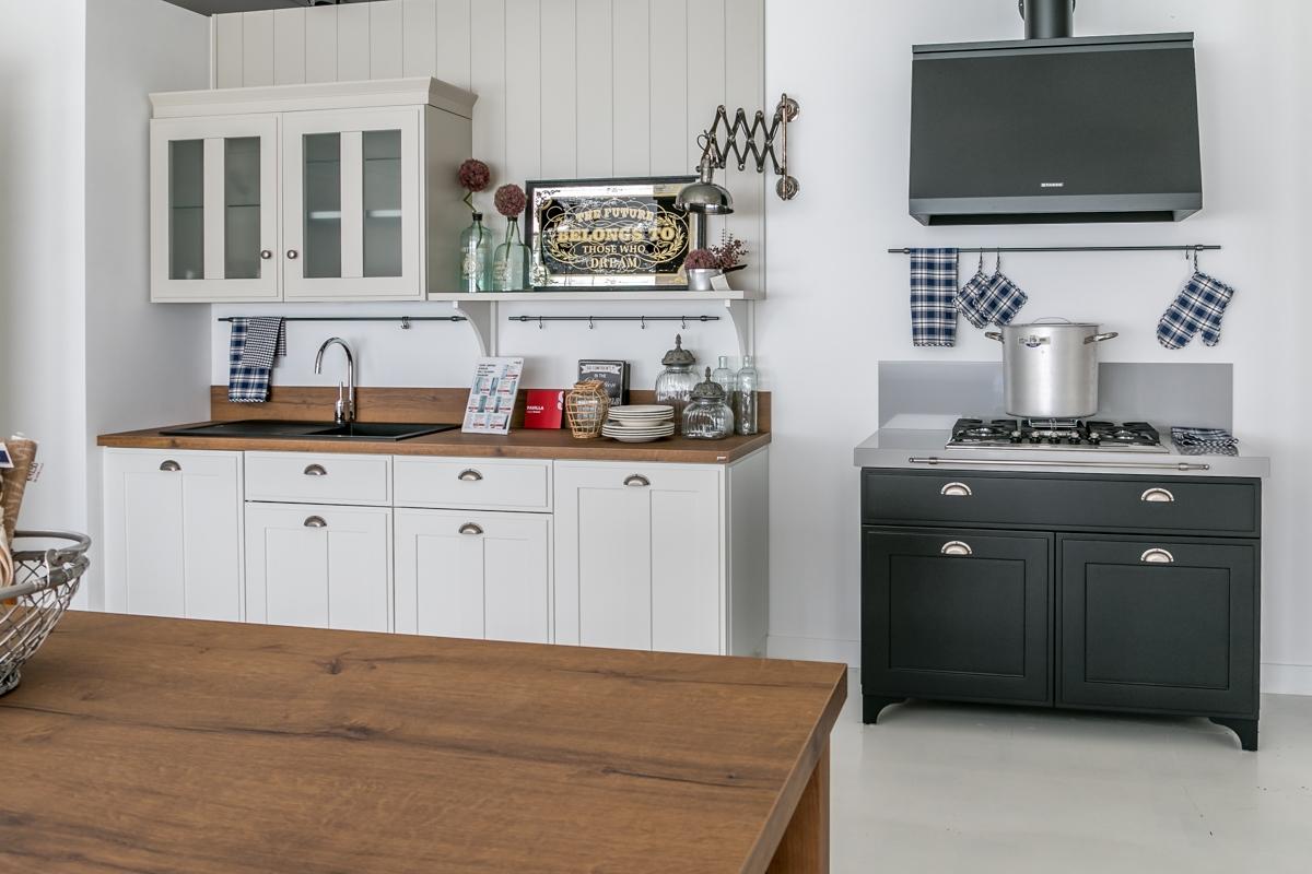Cucina scavolini modello favilla scontata del 30 cucine a prezzi scontati - Scavolini cucina bianca ...