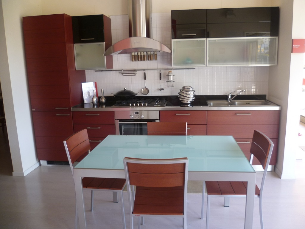 Cucina scavolini cucina modello rainbow cucine a prezzi scontati - Dwg tavolo con sedie ...