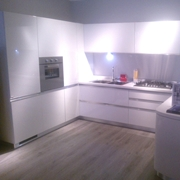 Outlet cucine marche offerte cucine a prezzi scontati - Cucina bianca laccata lucida ...