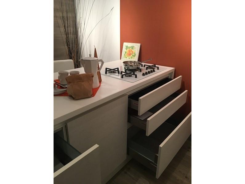 Cucina scavolini moderna ad isola in laminato materico - Top cucina scavolini colori ...