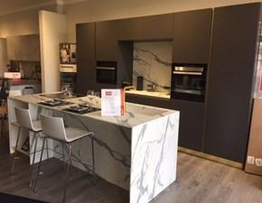 Cucina Scavolini moderna ad isola antracite in laccato opaco Delinea