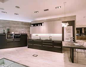 Cucina Scavolini moderna con penisola altri colori in laminato opaco Mood