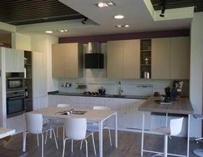 Cucina Scavolini moderna lineare rovere chiaro in laminato opaco Liberamente