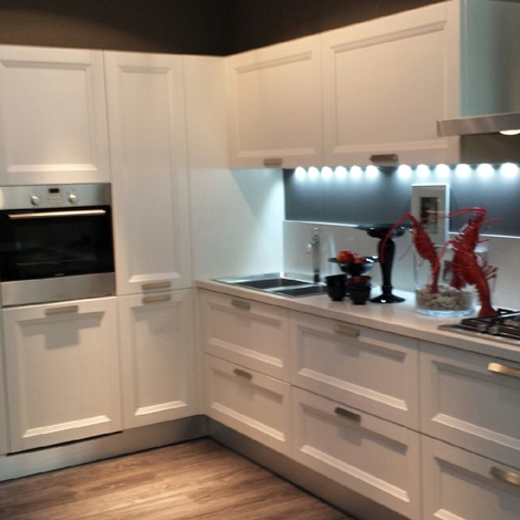 Cucina scavolini scavolini esprit classica legno bianca - Cucine componibili bianche ...