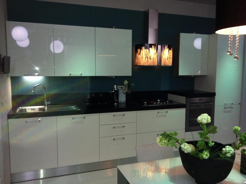 Cucina scavolini sax 2623 cucine a prezzi scontati - Cucina bianca laccata lucida ...