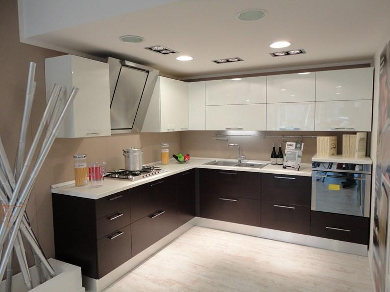 Scavolini cucina sax moderna laccato lucido rovere moro for Cucine di marca