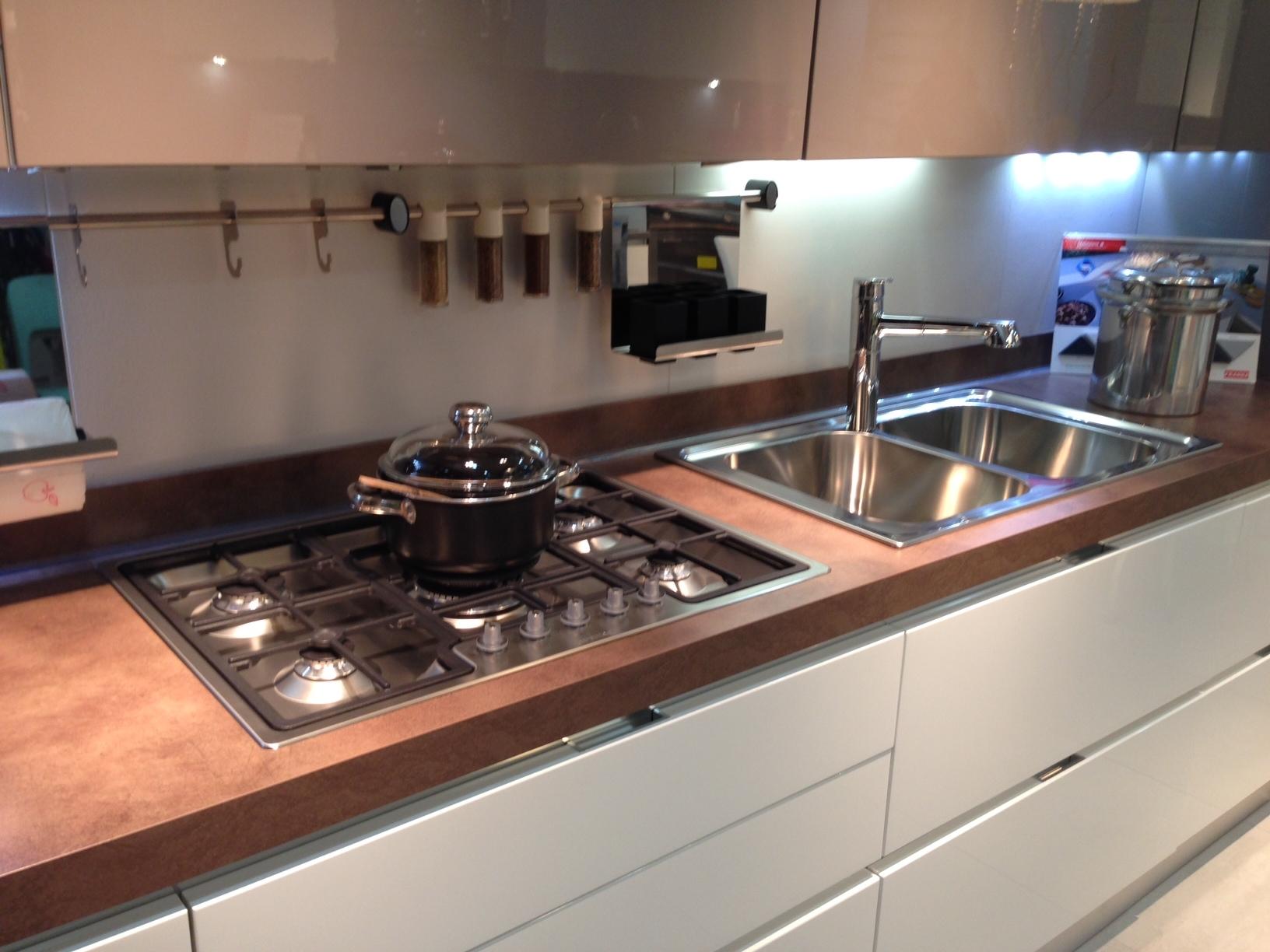 Scavolini cucina scenery scontato del 50 cucine a - Top cucina acciaio prezzi ...