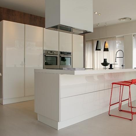 cucine moderne modena maglia. cucine con isola prezzi. cucina ...