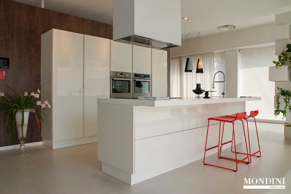 Cucine Moderne Con Isola Centrale. Cool Cucina Con Isola By Gronchi ...