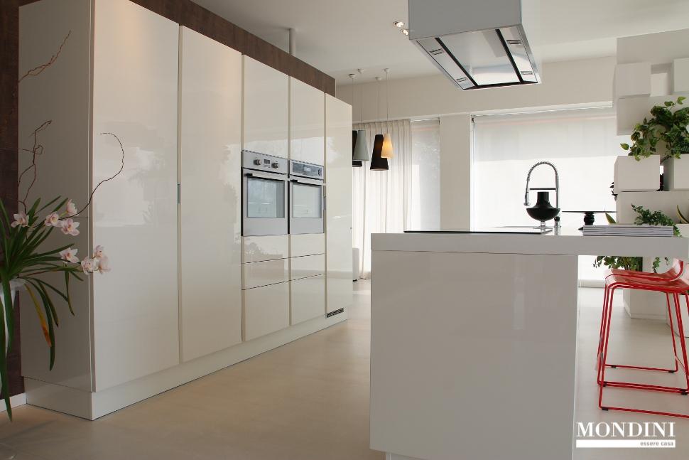 Cucine arredate cucine vintage modelli e stili per una - Cucine gran casa ...