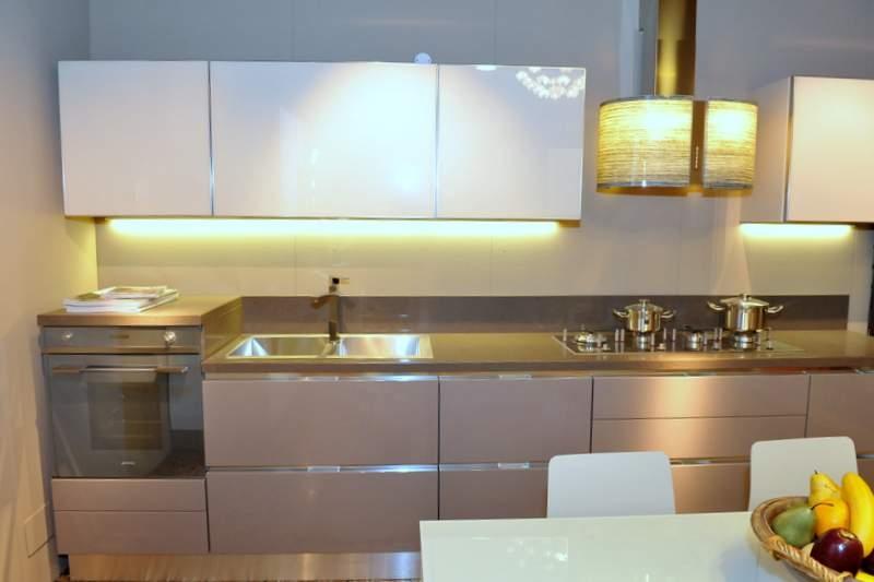 Cucina scavolini scenery moderna laccato lucido tortora cucine a prezzi scontati - Cucina color tortora ...