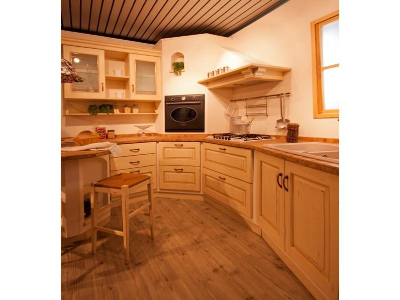 Cucina Scavolini Cucina belvedere legno scavolini - Cucine a ...