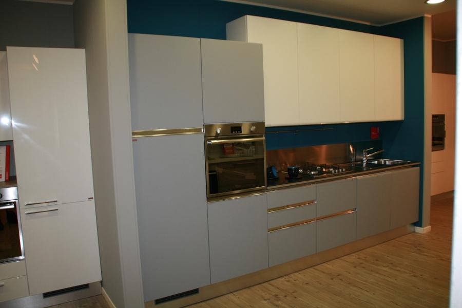Cucine Scavolini Tess : Cucina scavolini tess moderno laccate opaco cucine a