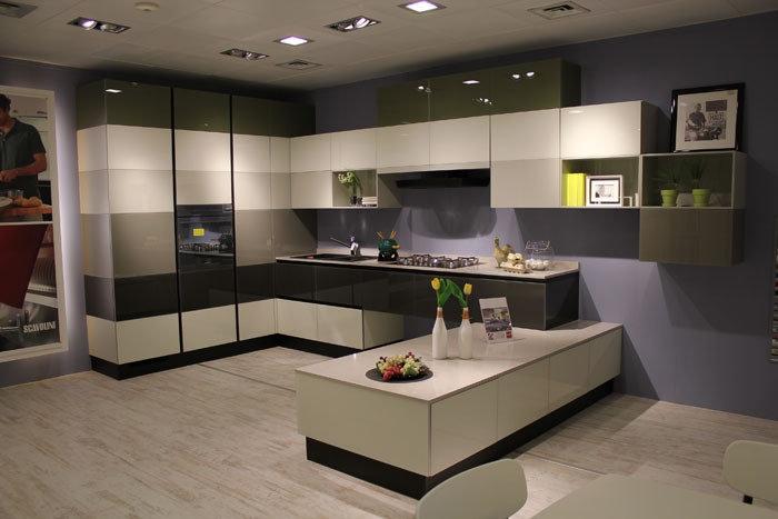 Cucina scavolini tetrix 1 cucine a prezzi scontati for Outlet arredamento puglia