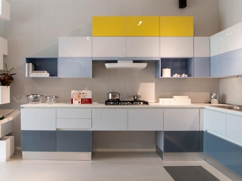 Cucina scavolini tetrix prezzo outlet for Mondini arredamenti