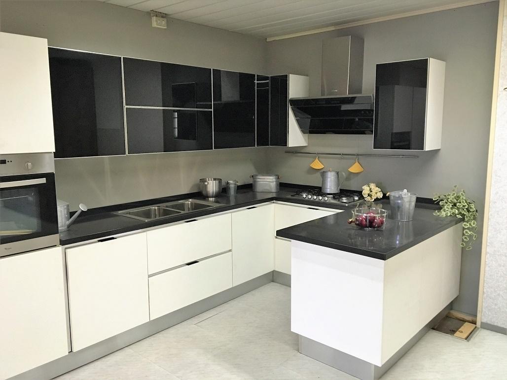 Cucina Scenery di Scavolini scontata del 77 % - Cucine a prezzi ...