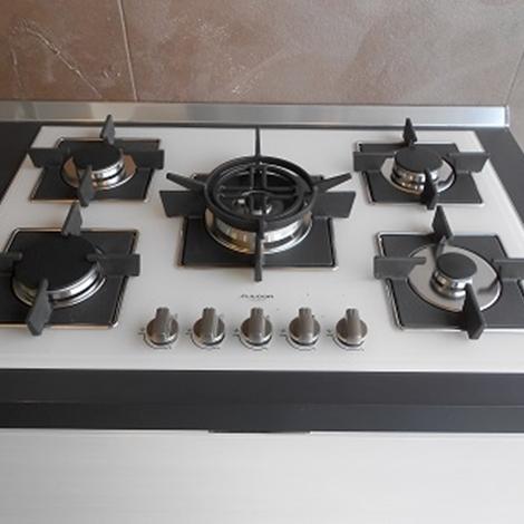 Cucina lineare scavolini modello scenery scontata del 40 for Piano cottura cucina