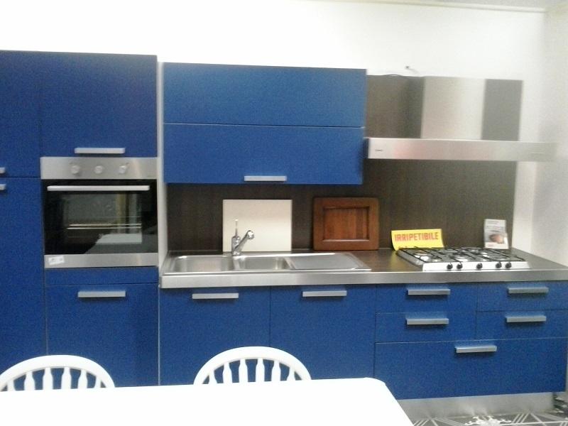 Cucina blu cobalto hi37 regardsdefemmes - Cucine scic prezzi ...