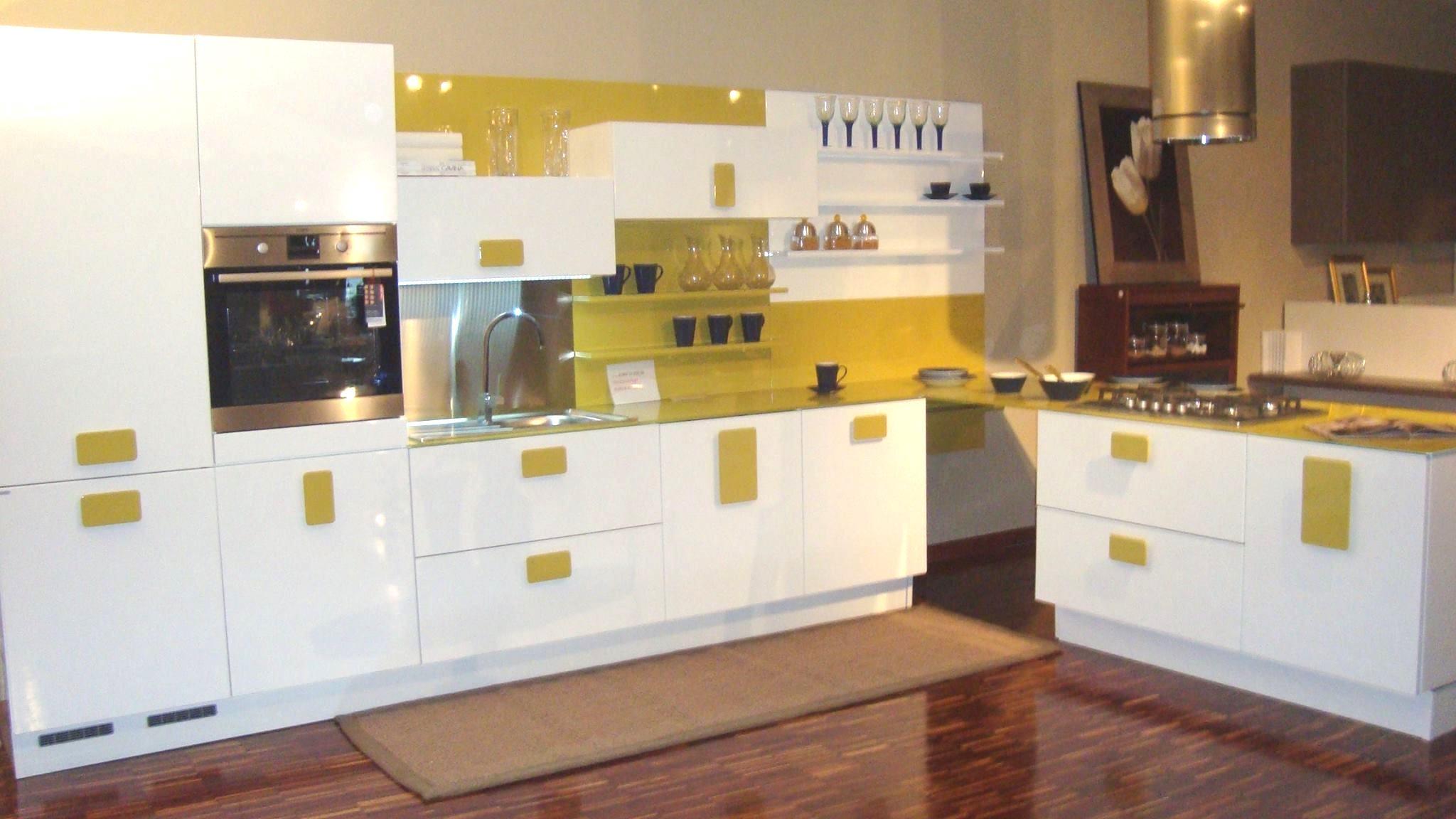 Scic cucina nonsolobianco moderno laccato lucido bianca cucine a prezzi scontati - Cucine scic prezzi ...
