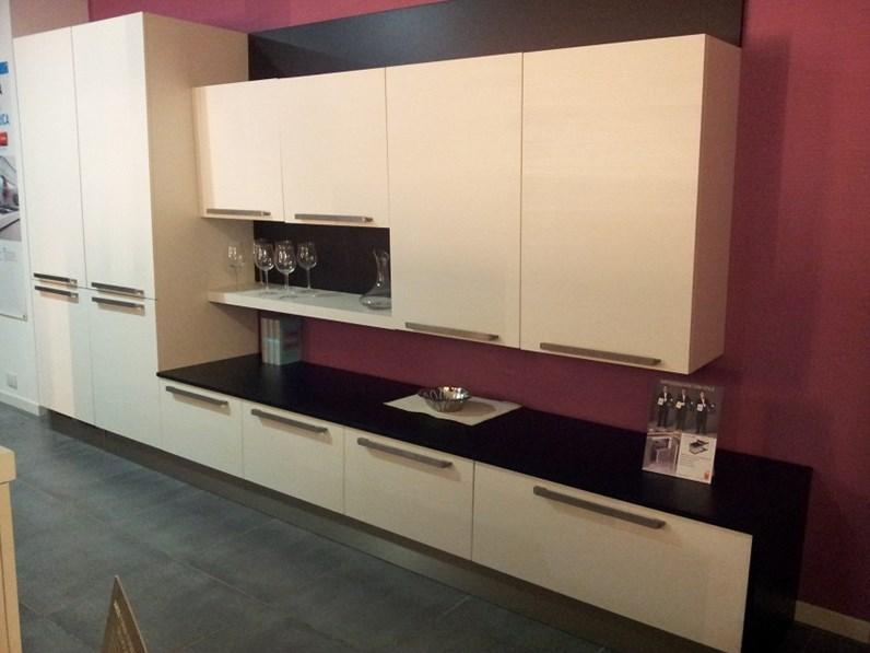 Zoccolo cucina altezza awesome montaggio pensili cucina - Zoccolo cucina 12 cm ...