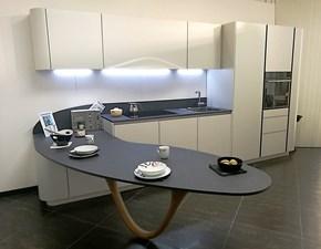 Cucina Snaidero design con penisola bianca in laccato opaco Ola 20