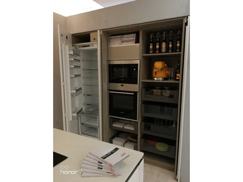 Cucina Snaidero moderna lineare bianca in laccato lucido Code