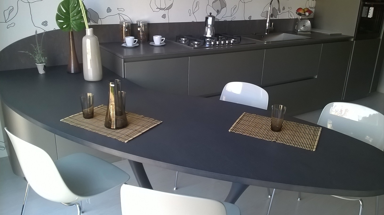 Cucina snaidero ola 20 design laccato opaco grigio for Misure tavolo cucina