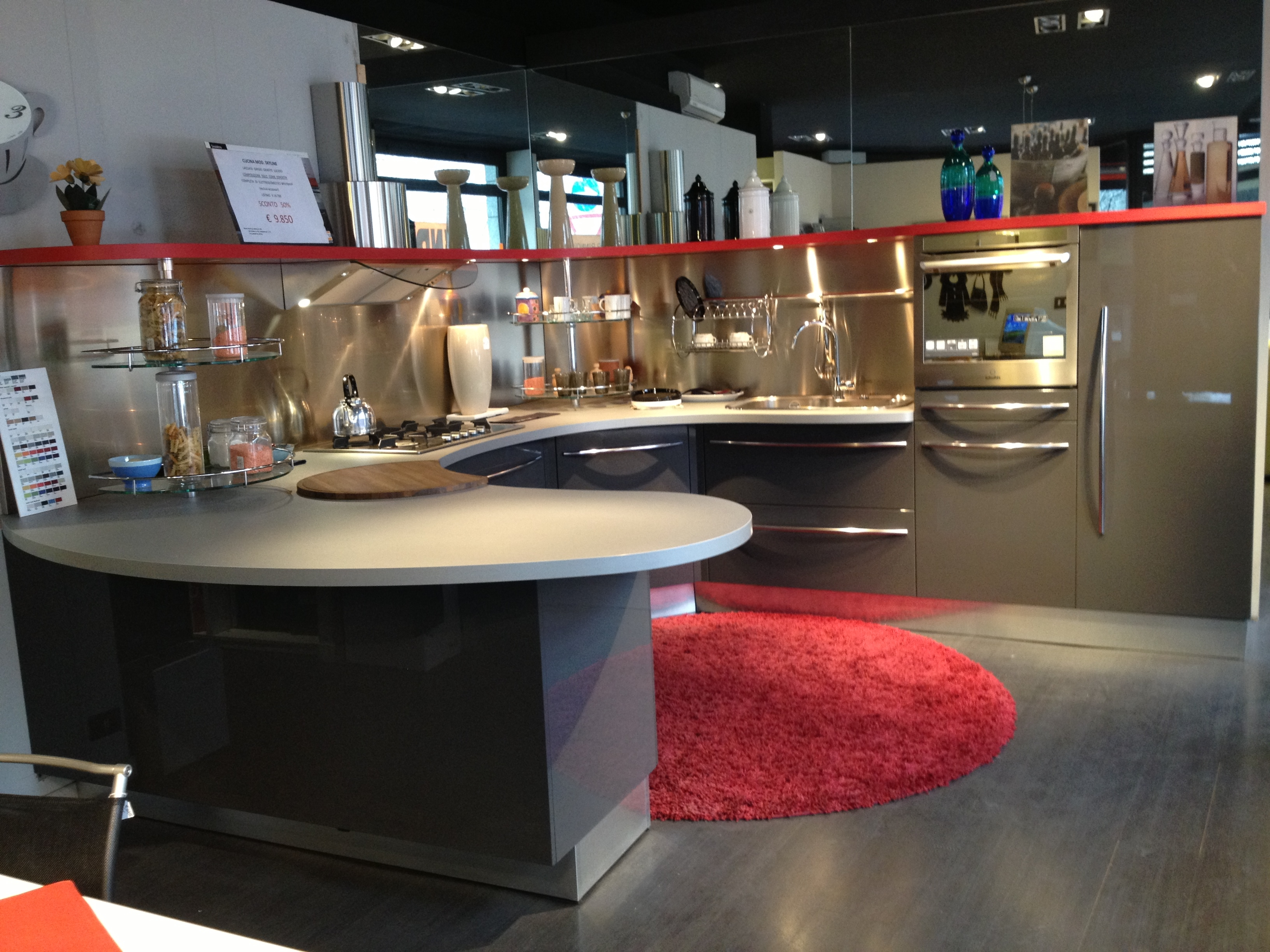 Cucine Moderne A Due Colori  madgeweb.com idee di interior design