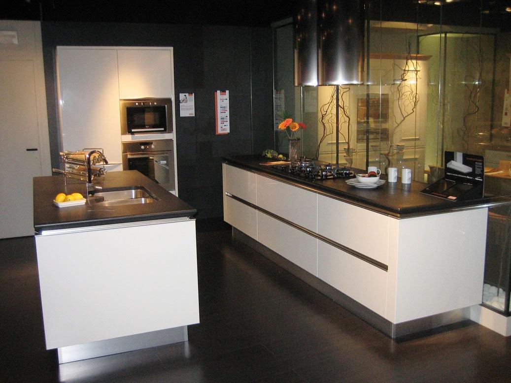 Emejing Cucina Idea Snaidero Contemporary - bakeroffroad.us ...