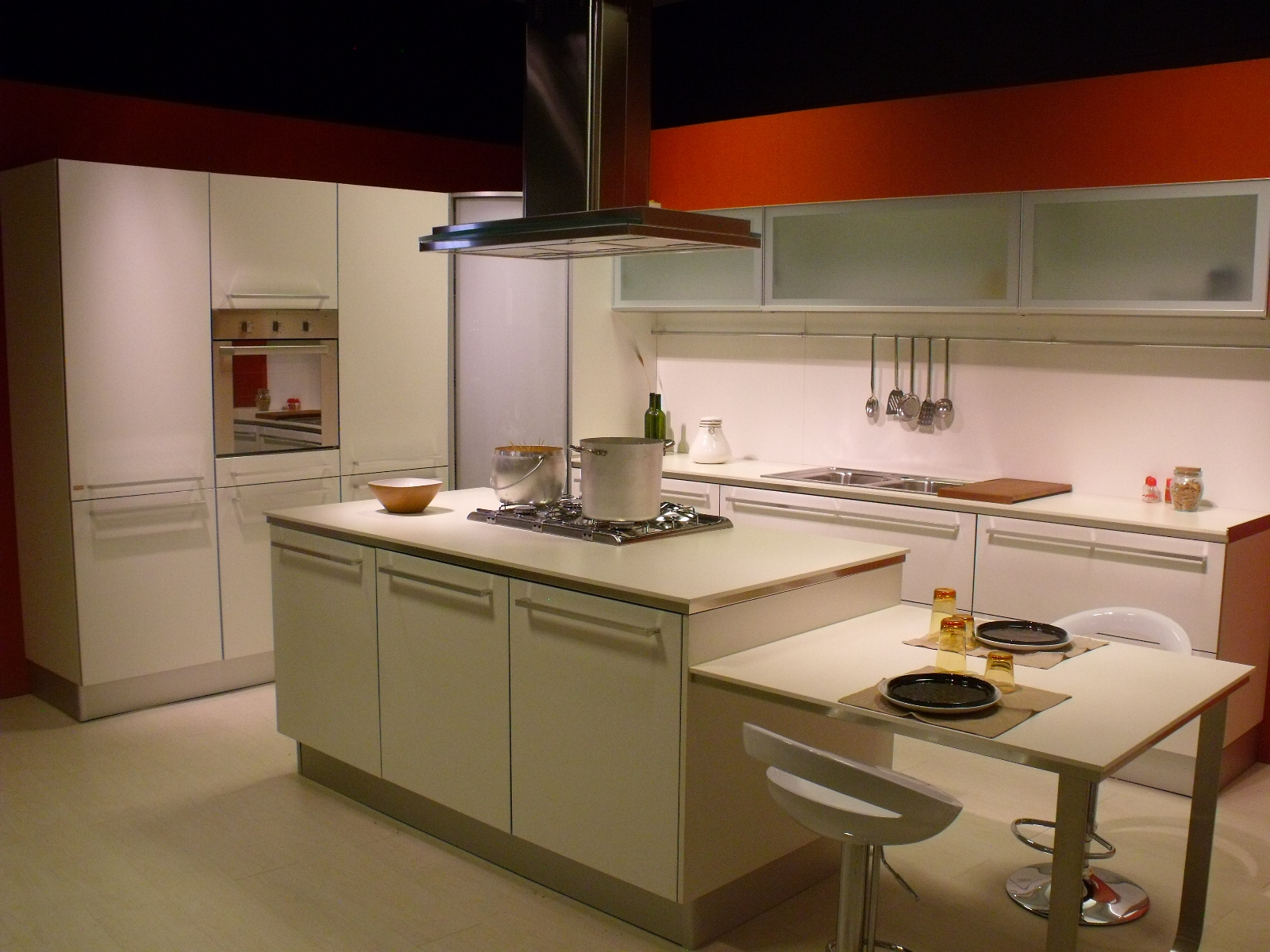 Laminato Bianco Con Bordo Alluminio Top E Schienale In Laminato Bianco #6D371A 1600 1200 Top Cucina In Laminato Opinioni