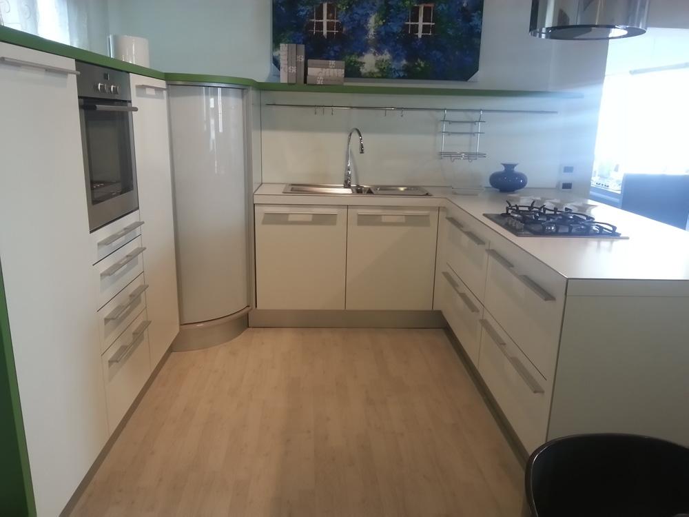 Cucina snaidero snaidero design laminato opaco bianche - Laminato in cucina ...