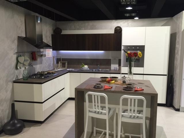 Cucina snaidero way design laccato opaco bianco luce e rovere smoke cucine a prezzi scontati - Cucina laccato bianco ...