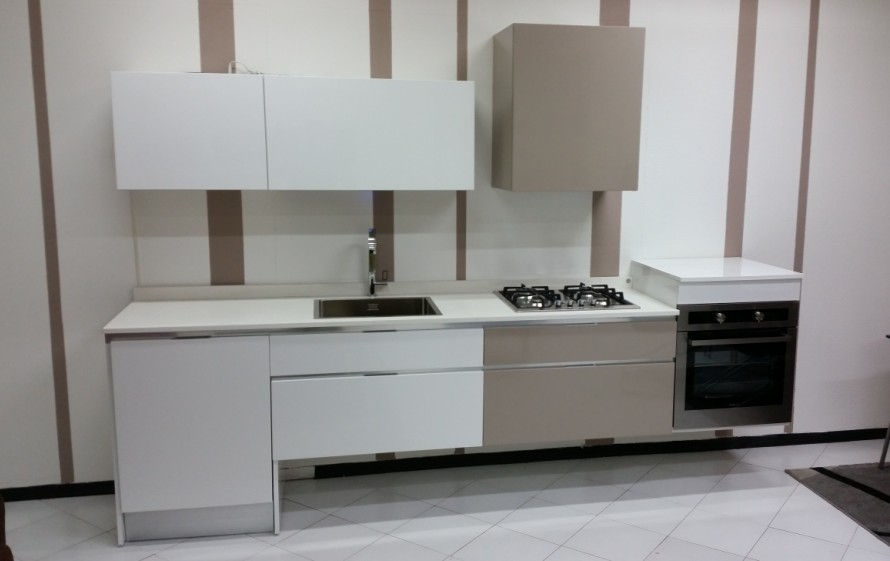 Cucina sospesa design scontatissima cucine a prezzi scontati - Pensile bagno mondo convenienza ...